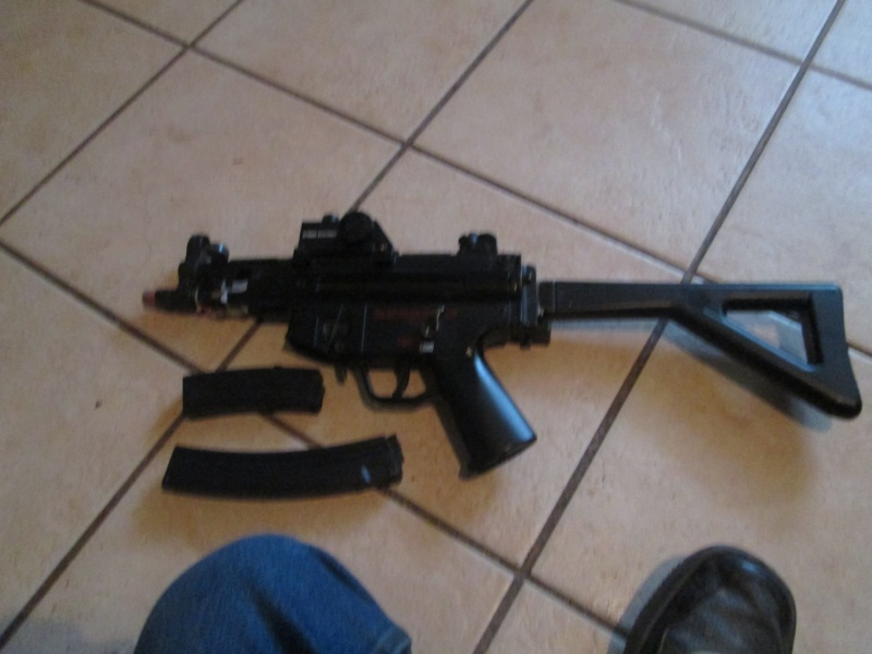 MP5 w/ Red Dot - $30 Img_0413