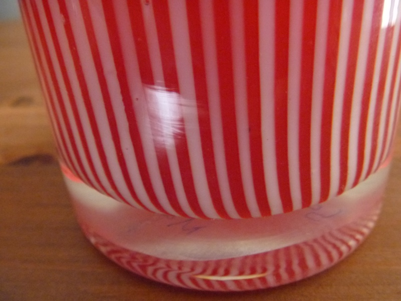 Red white striped vase murano? P1000517