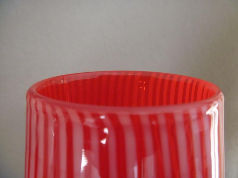 Red white striped vase murano? P1000519