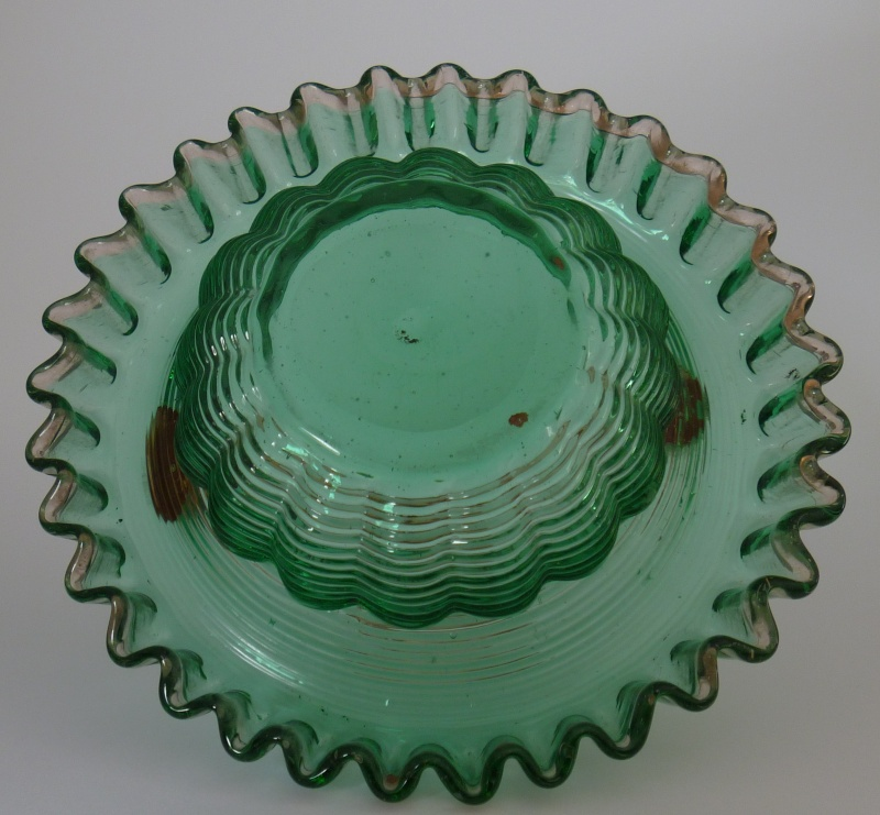 Is this Fenton Glass? green/pink bowl or basket P1000527