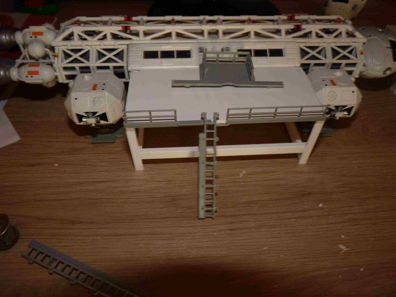 COSMOS 1999 : Hangar BAse Lunaire Alpha Eyhang29