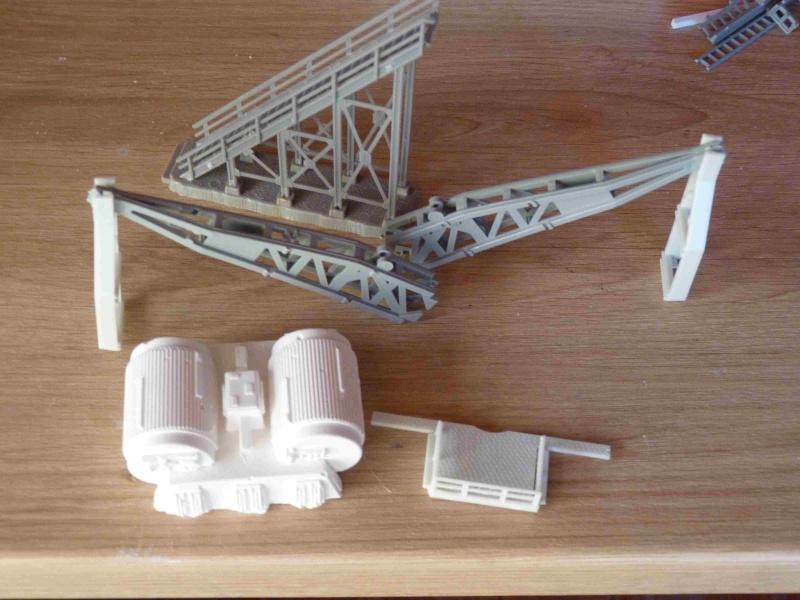 COSMOS 1999 : Hangar BAse Lunaire Alpha Eyhang35