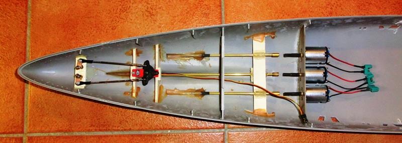 Bismarck 1:200 Trumpeter von Günter Cimg9536