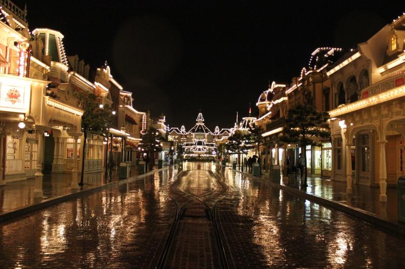Vos photos nocturnes de Disneyland Paris - Page 2 Photo210