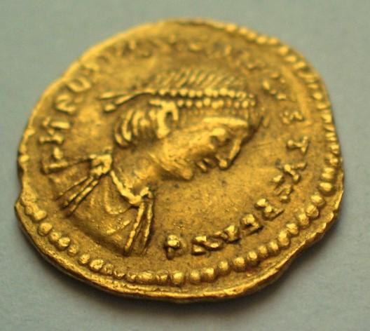 Trémissis de Romulus Augustus Rom110