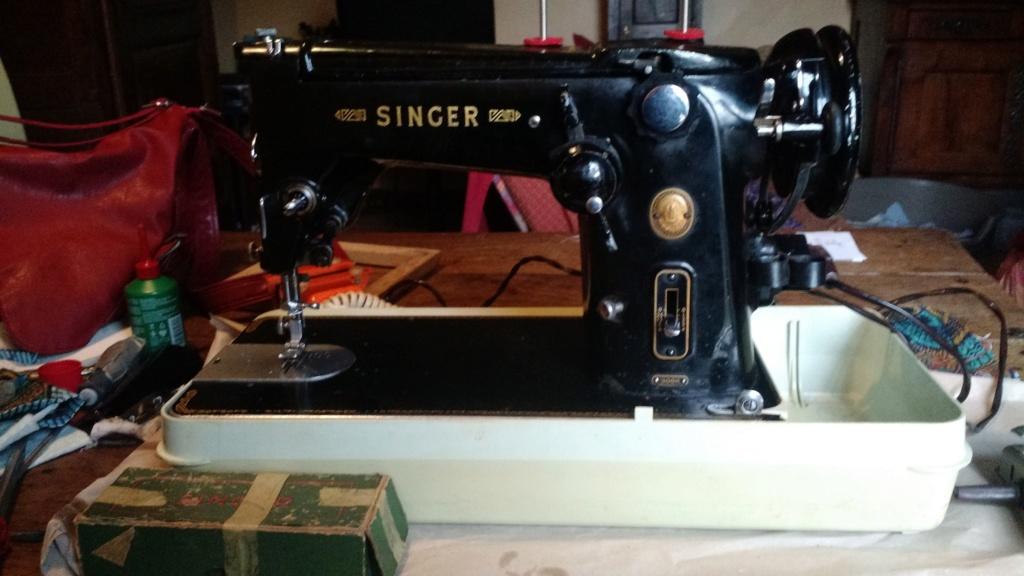 Les tricoteuses et couturières de CDB - Page 5 Singer10