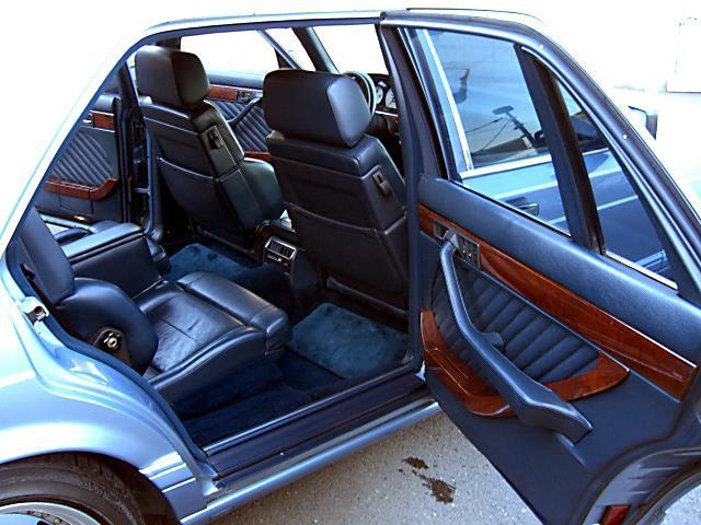 (W126): 560SEL AMG 6.0 - 4 assentos Recaro® - azul/azul 02f3a510