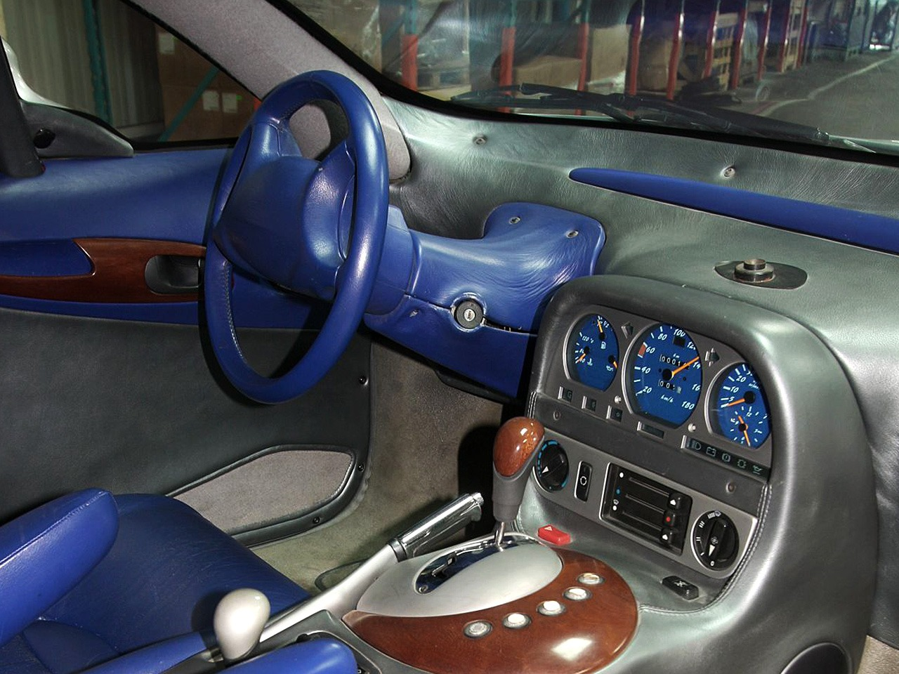 (CONCEITO): Mercedes-Benz Heuliez Intruder Concept 1996 09748310