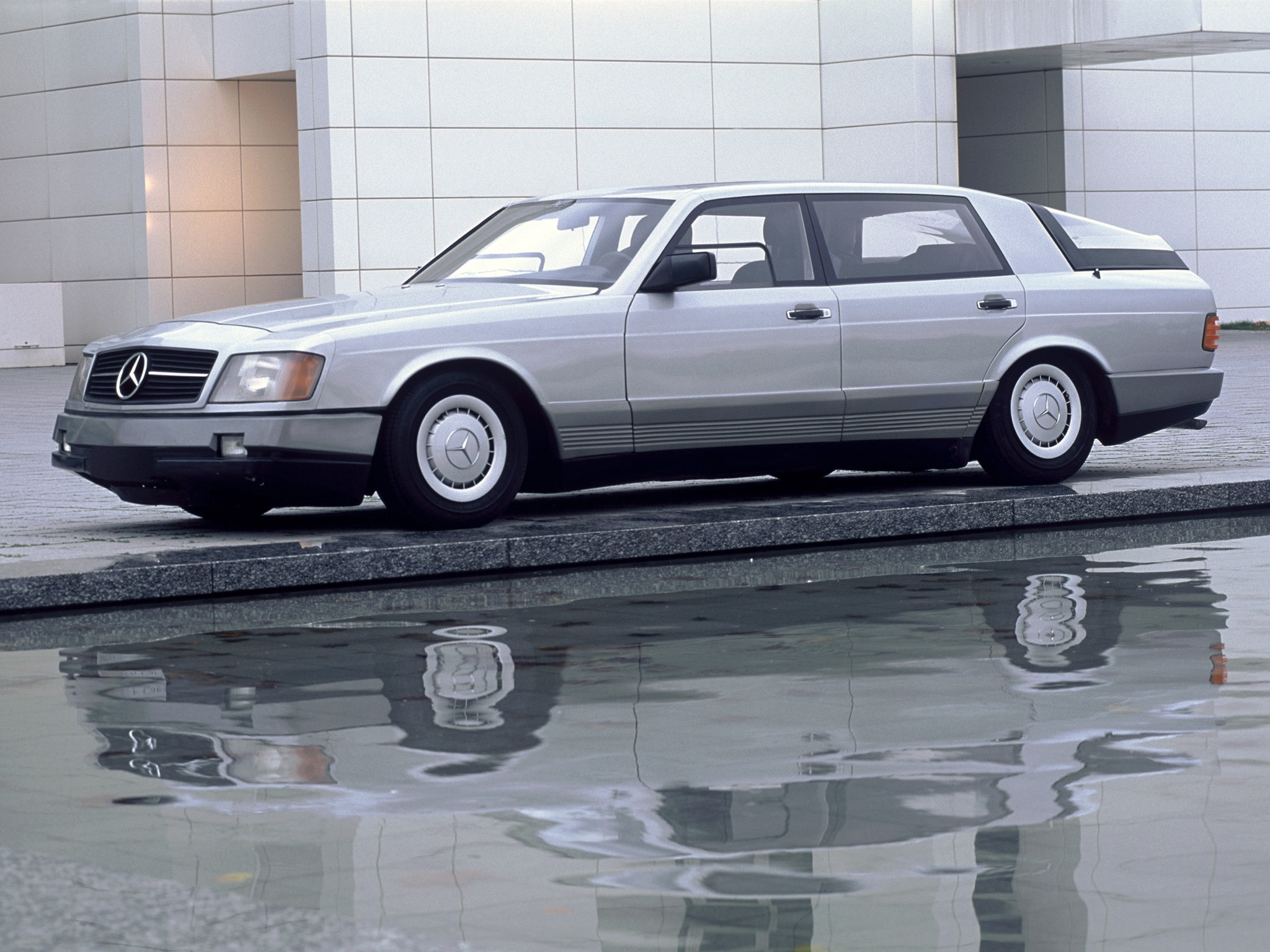 (CONCEITO): Vídeo - Mercedes-Benz 1981 - Auto 2000  3e631610