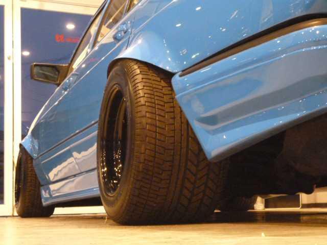 """(W126): 560SE 6.0 32 AMG exótica """"Wide-Radläufe in Hellblau"""" 5c4cc410"""