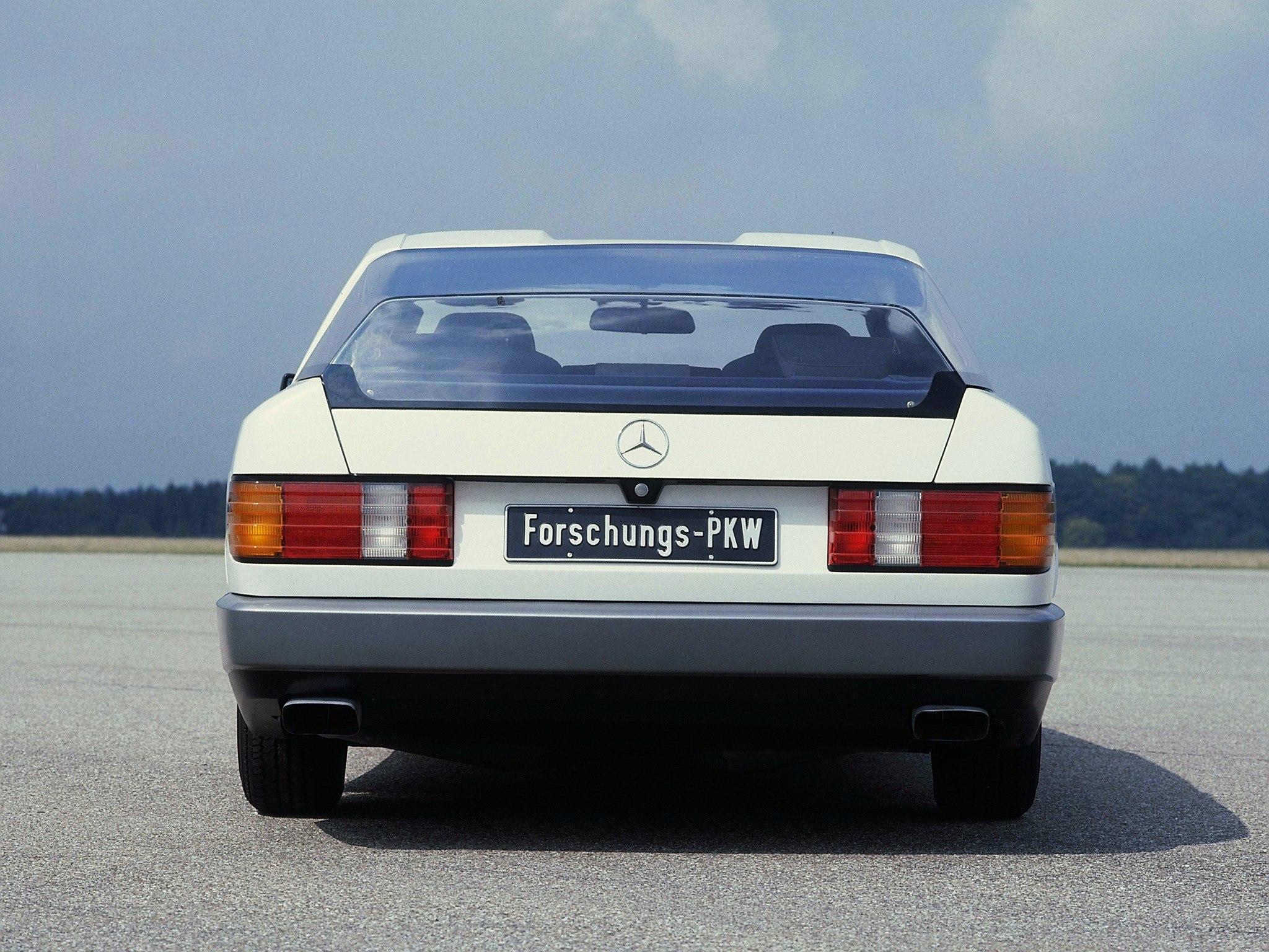 (CONCEITO): Vídeo - Mercedes-Benz 1981 - Auto 2000  Dad30110