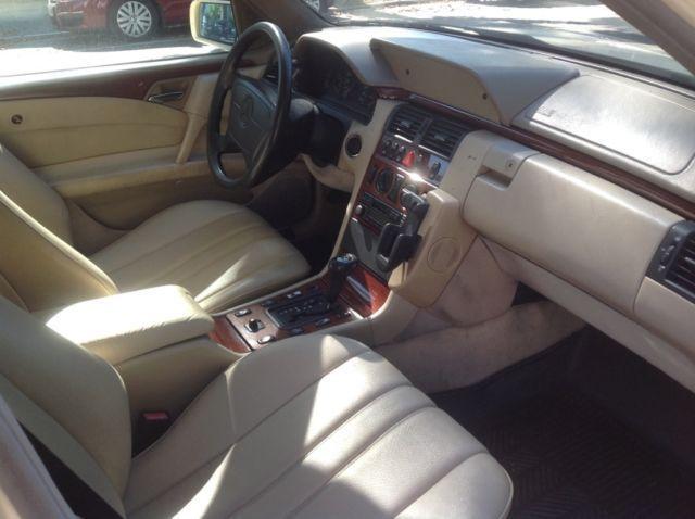 (CURIOSIDADE): Táxis Mercedes-Benz pelo mundo - Página 2 F2299510