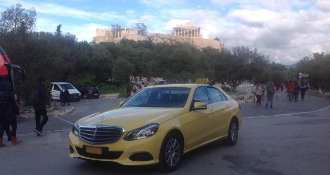 (CURIOSIDADE): Táxis Mercedes-Benz pelo mundo - Página 2 F5a11a10