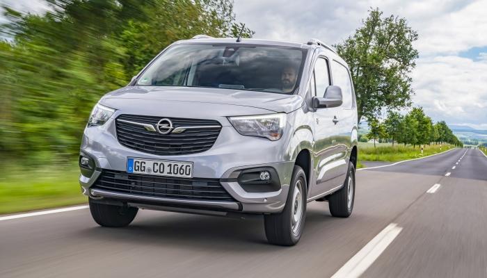 2018 - [Peugeot/Citroën/Opel] Rifter/Berlingo/Combo [K9] - Page 8 08-ope10