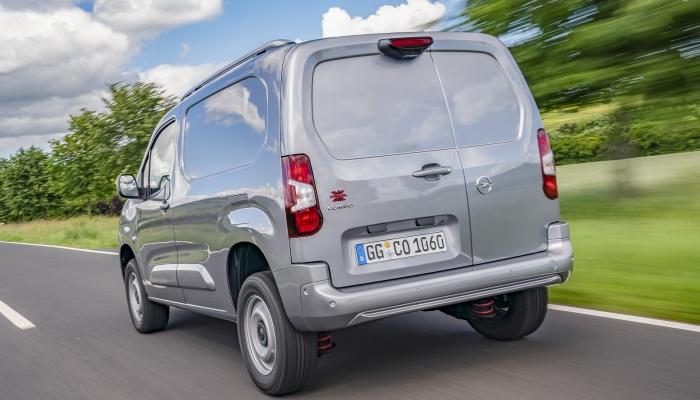 2018 - [Peugeot/Citroën/Opel] Rifter/Berlingo/Combo [K9] - Page 8 09-ope10