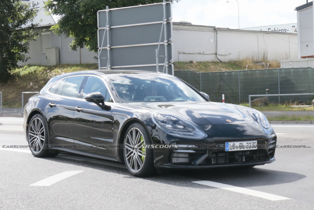 2020 - [Porsche] Panamera II restylée  2021-p38