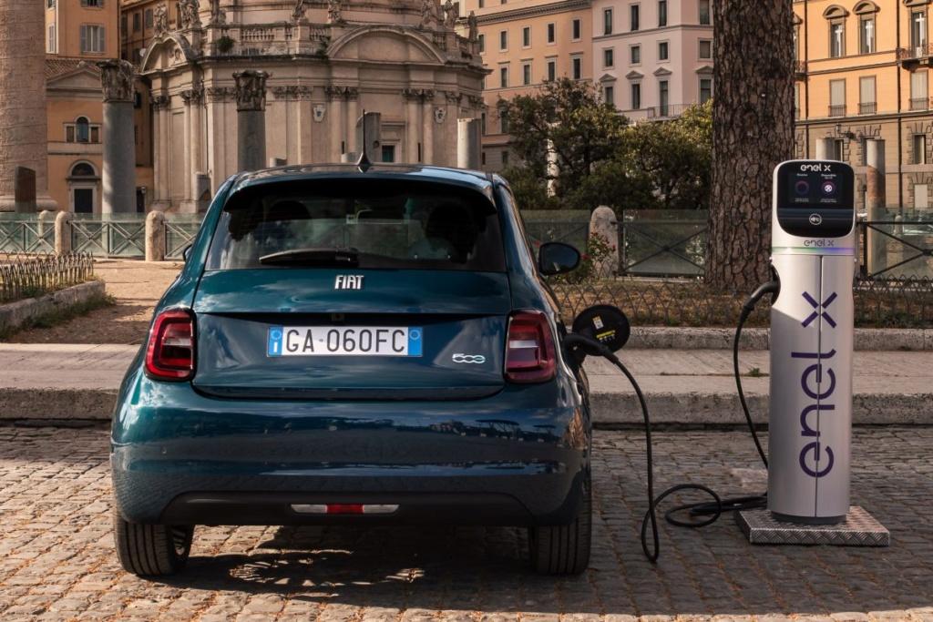 2020 - [Fiat] 500 e - Page 24 6mwydg10