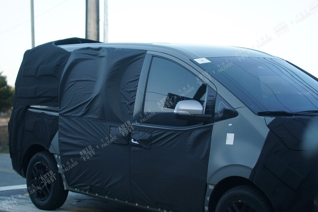 2021 - [Hyundai] H-1 / i800 / Starex III 7-6610