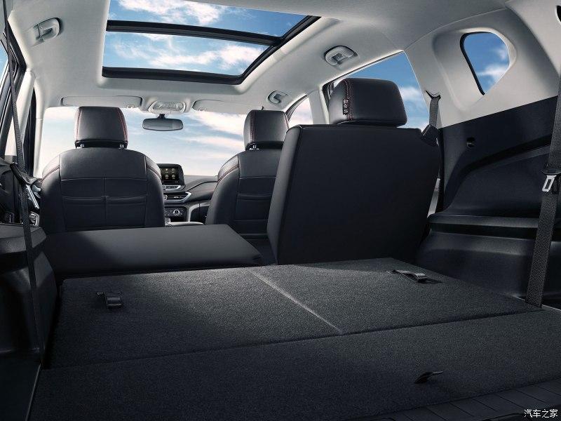 2018 - [Chevrolet] Orlando II 800x0_15