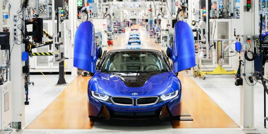 2013 - [BMW] i8 [i12] - Page 23 Bmw-i810