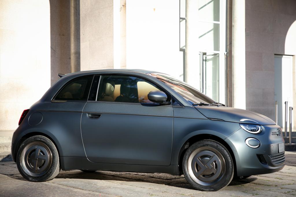 2020 - [Fiat] 500 e - Page 21 Fiat_516