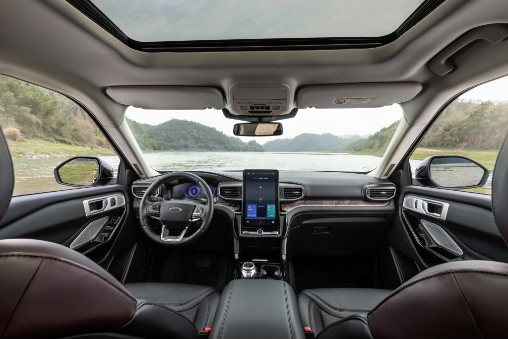 2019 - [Ford] Explorer - Page 3 Ford_e24