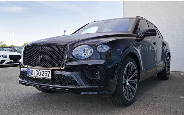 2015 - [Bentley] Bentayga - Page 15 Fr44