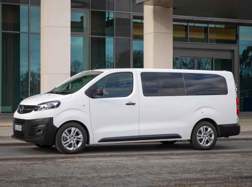 2016 - [Citroën/Peugeot/Toyota] SpaceTourer/Traveller/ProAce - Page 39 Opel_v11