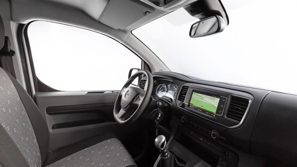 2016 - [Citroën/Peugeot/Toyota] SpaceTourer/Traveller/ProAce - Page 39 Opel_v15