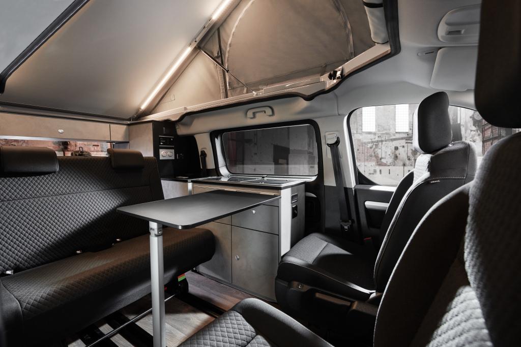2016 - [Citroën/Peugeot/Toyota] SpaceTourer/Traveller/ProAce - Page 39 Opel_z12