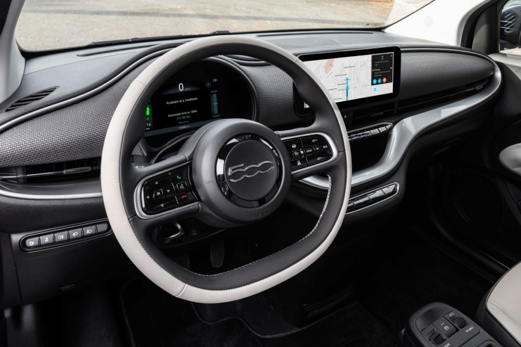 2020 - [Fiat] 500 e - Page 24 R08y1510