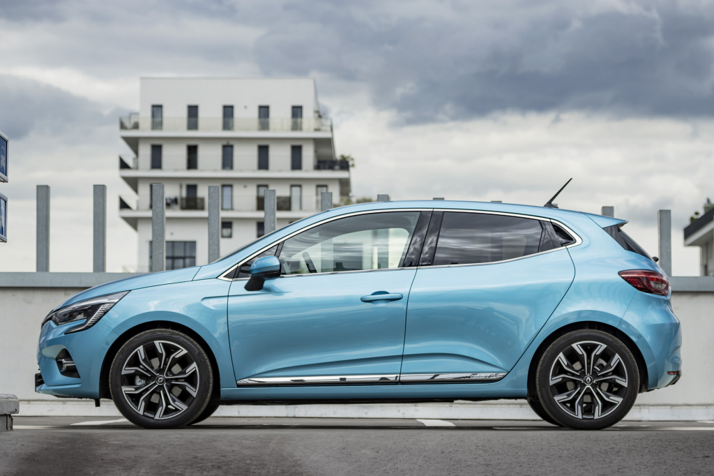 2019 - [Renault] Clio V (BJA) - Page 39 Renaul98
