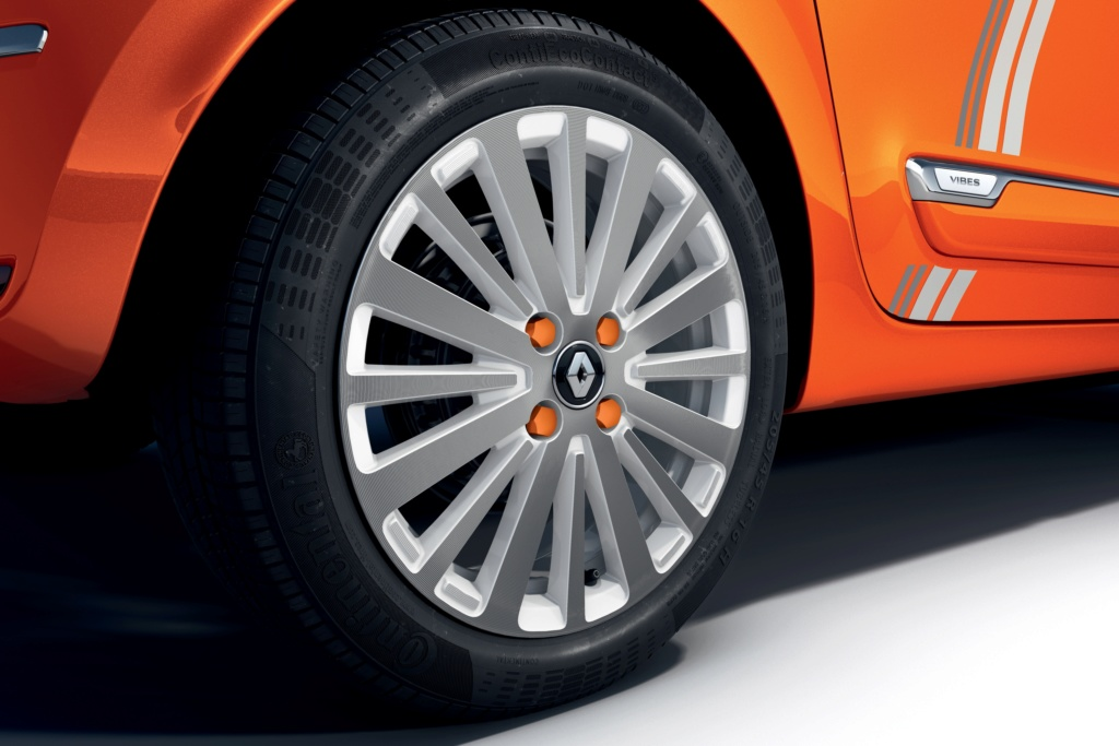 2018 - [Renault] Twingo III restylée - Page 16 S0-ren16
