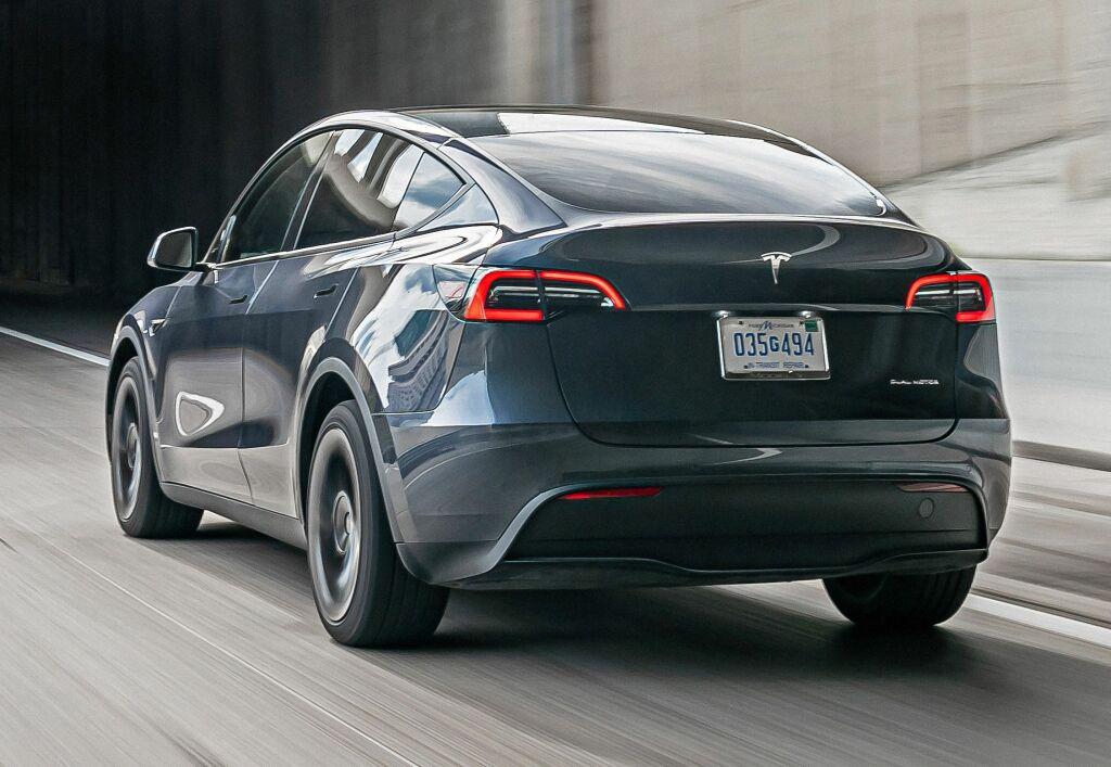 2019 - [Tesla] Model Y - Page 6 Tesla_16