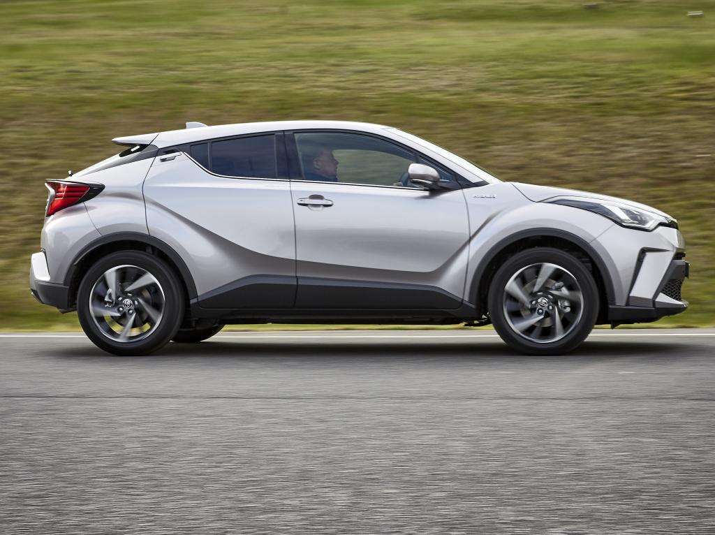 Toyota C-HR Facelift (2019) 14
