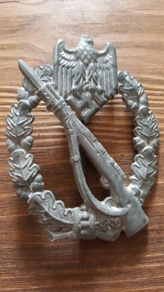 Croix de fer, insigne des blessés argent et insigne d'infanterie 20190326
