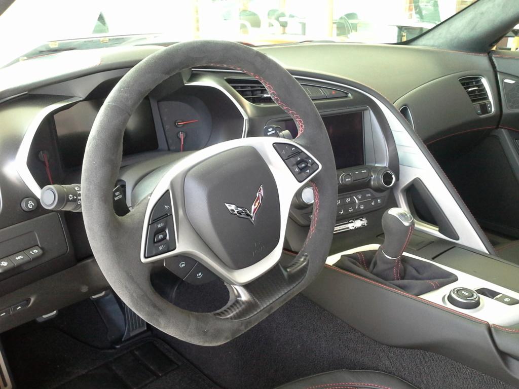 Projet : Volant & Levier de vitesse Alcantara/Suédine (Corvette C6) - Page 2 20180941