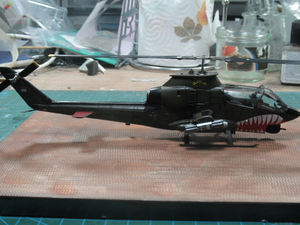 "AH-1G Cobra ""Over the USA & Europe"" Special Hobby - SH72278 - 1:72 Img_3012"