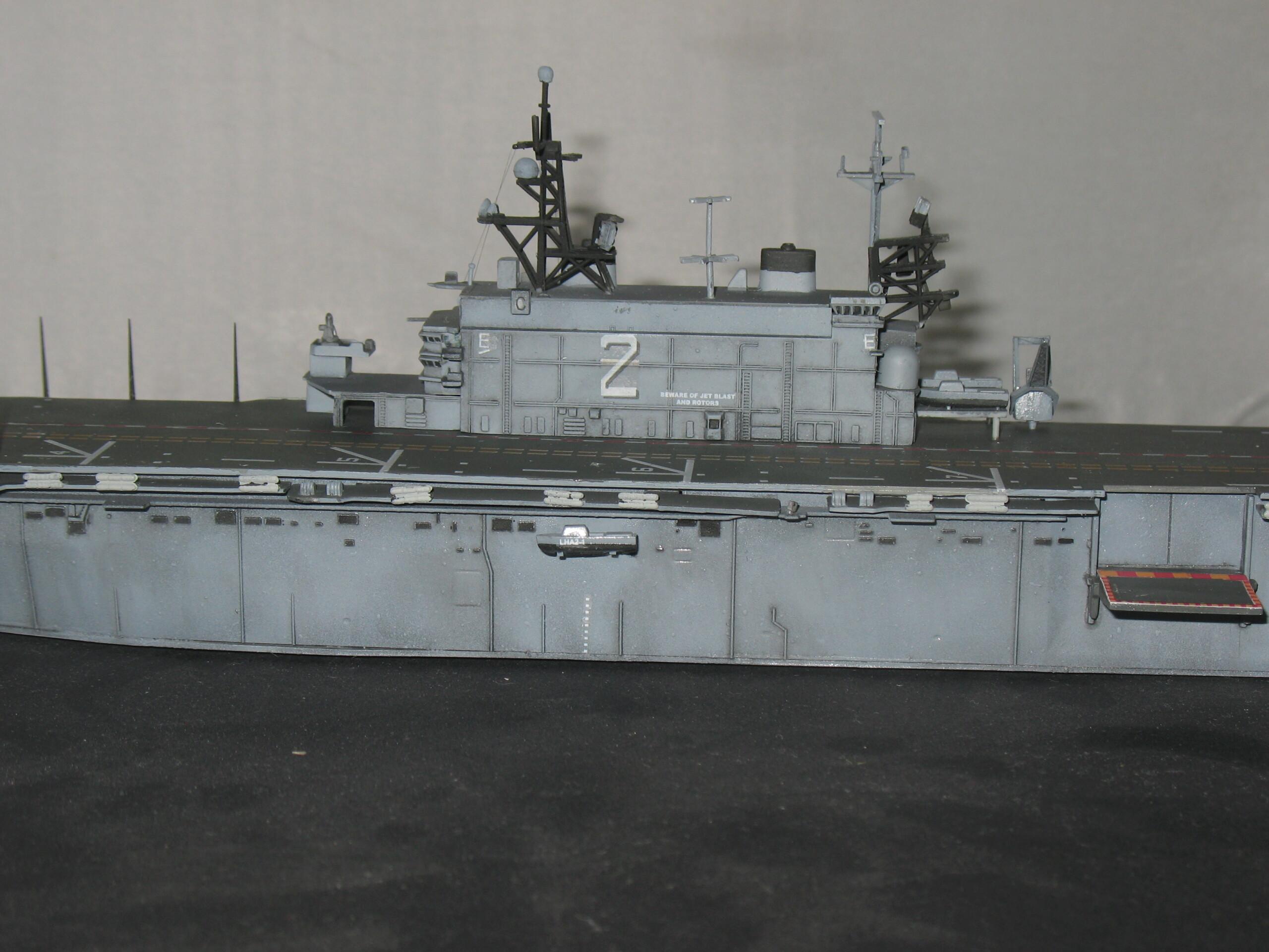 [Dragon] 1/700 USS Saipan LHA-2 Img_3833