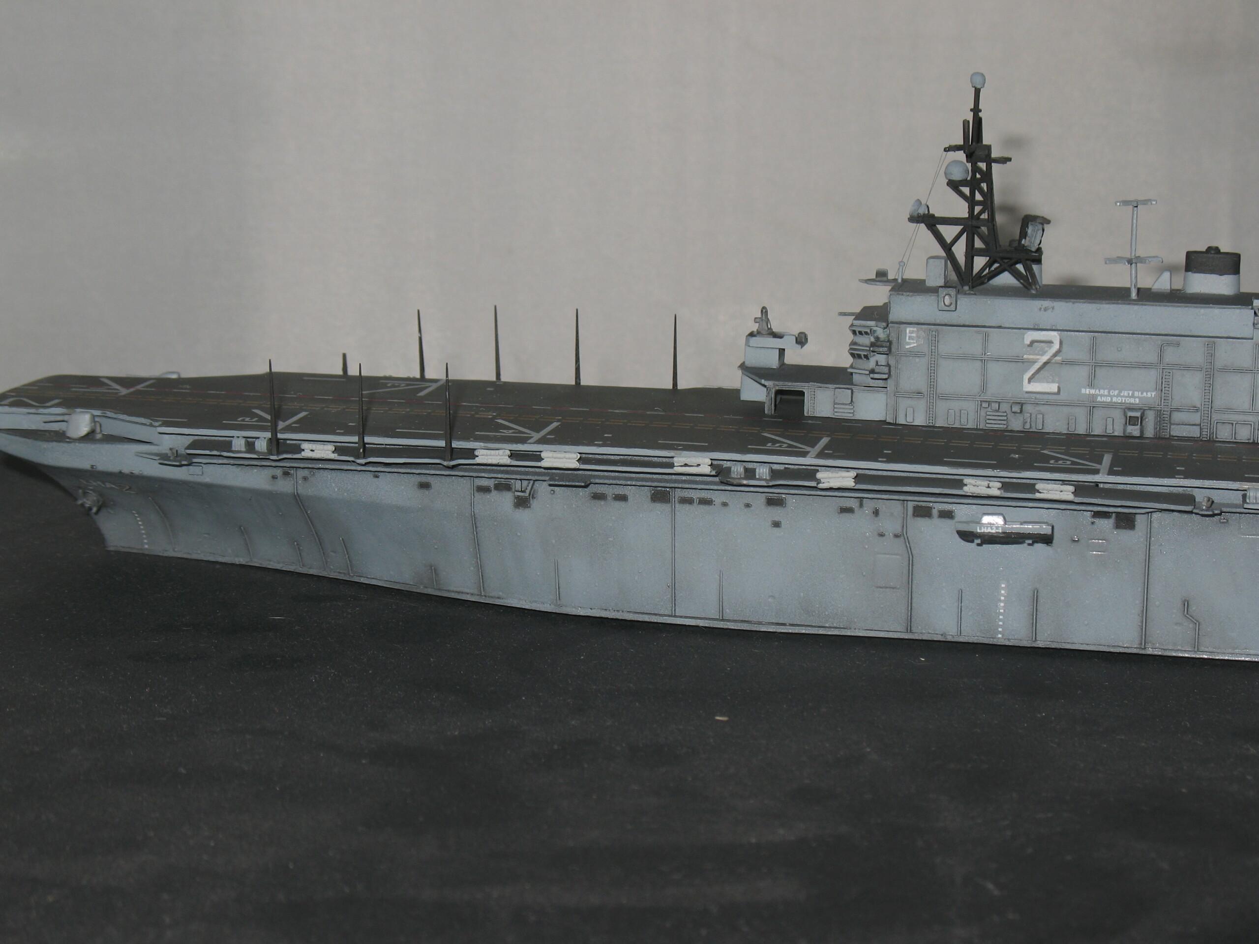[Dragon] 1/700 USS Saipan LHA-2 Img_3835