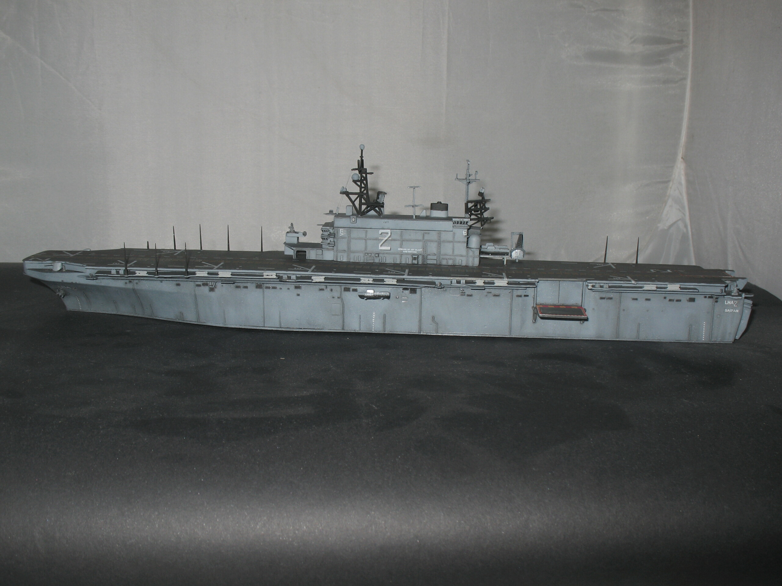 [Dragon] 1/700 USS Saipan LHA-2 Img_3836