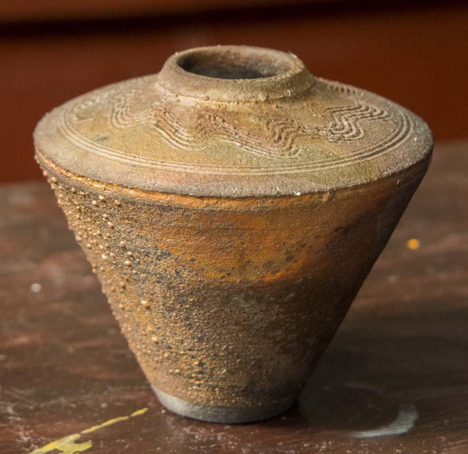Nicely shaped raku pot, signed Norman Bacon Bacon_10