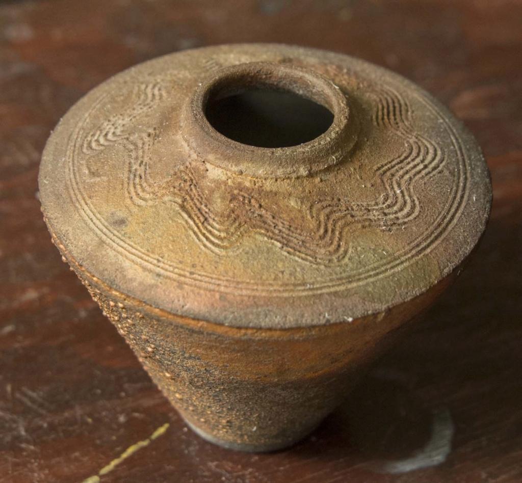 Nicely shaped raku pot, signed Norman Bacon Bacon_12
