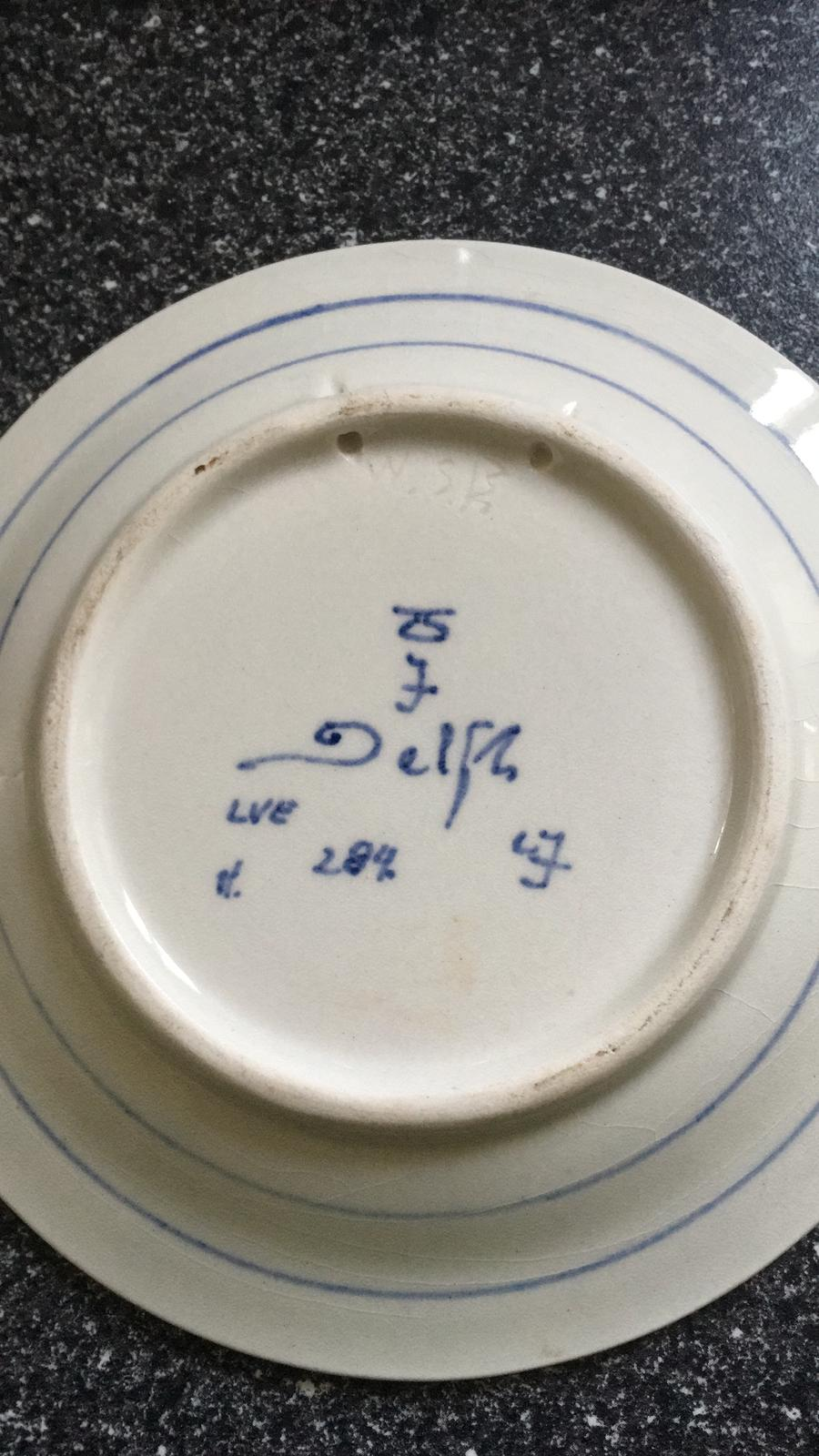 Identifying this Delft plate Delf1b10