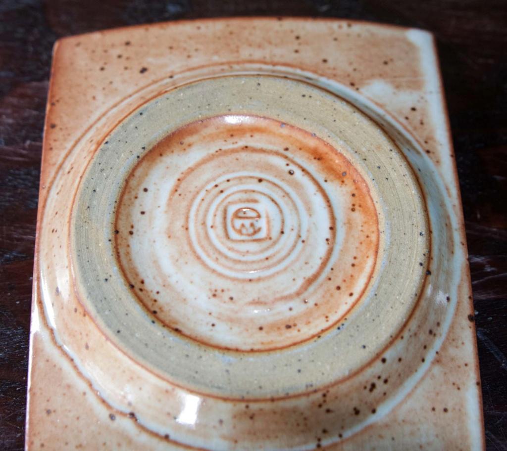 Slab Pottery dish, EM mark = Eva & Franz Ruppert Muellbauer Em_1b10