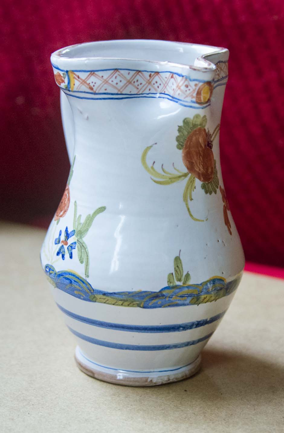 Nice hand-painted jug with no clues - does anyone recognise? Flower14