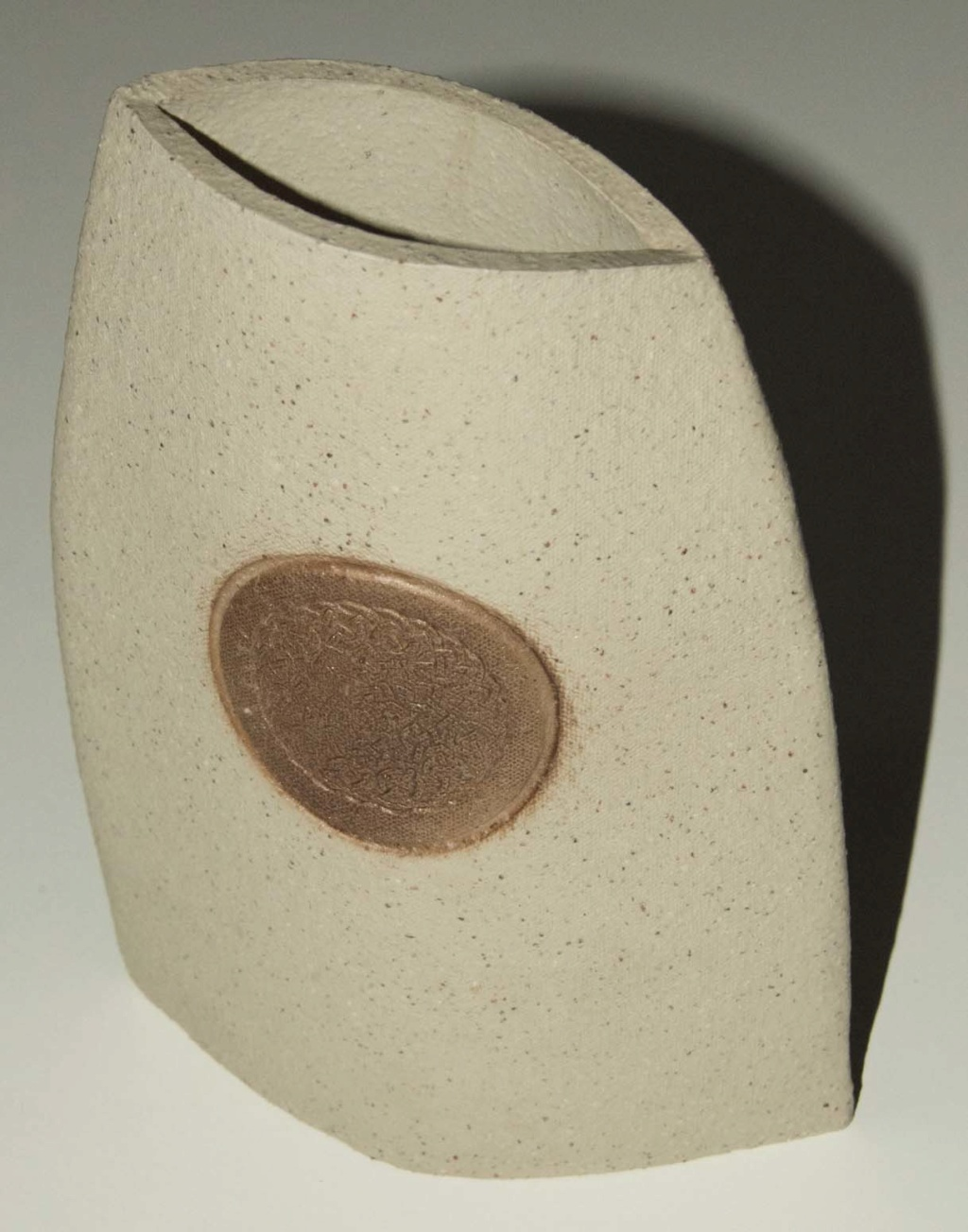 Studio Vase - Can anyone identify the makers mark Ovoid_10
