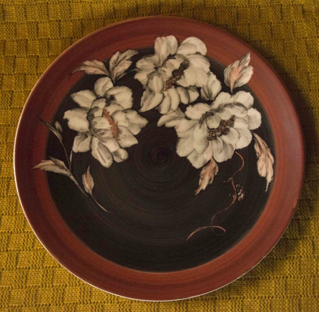 Decorative Plate - Can you help ID? Plate112