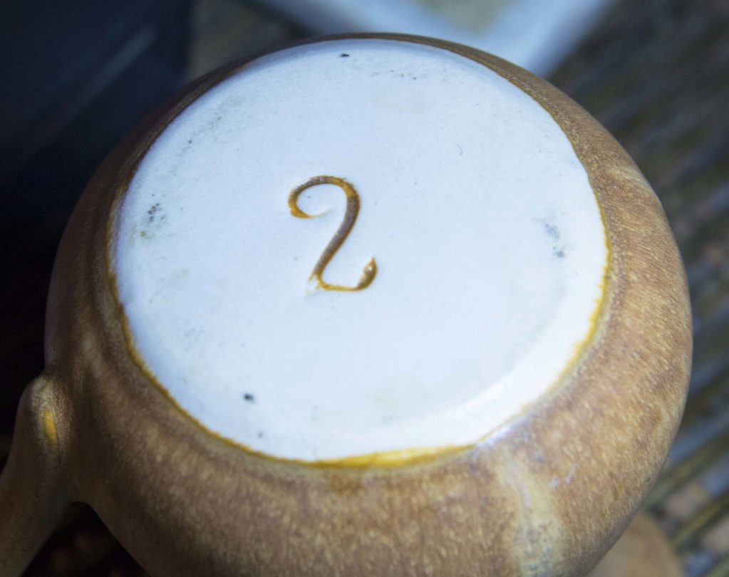Plain Brown/Yellow Jug - Maked with a stylish '2' Smark_10