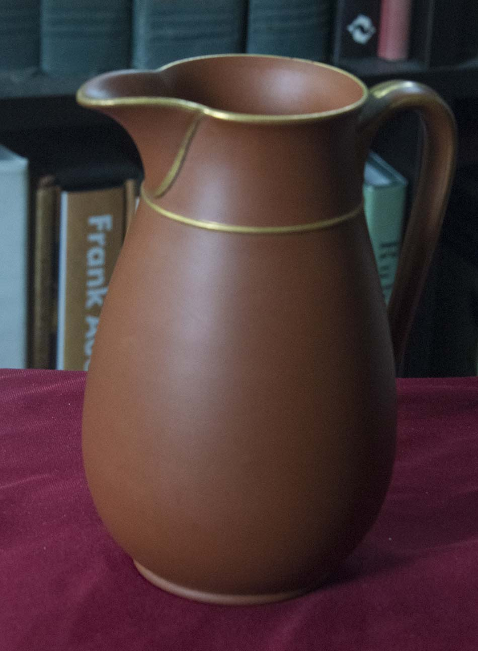 Beautifully made jug with a 'T' stamp (I think) T_jug_11